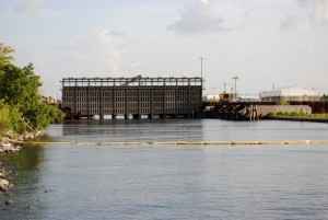 Enormous floodgate built at the 17th Street Canal's mouth after the 2005 Flood. Photo/Heather Ruoss CLICK TO ENLARGE